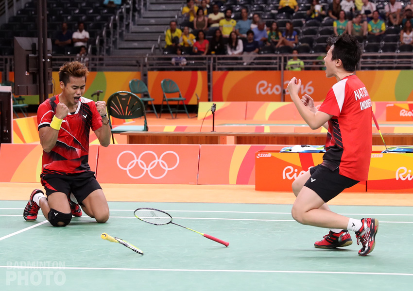 Indonesia wins gold medal in Badminton mixed doubles event