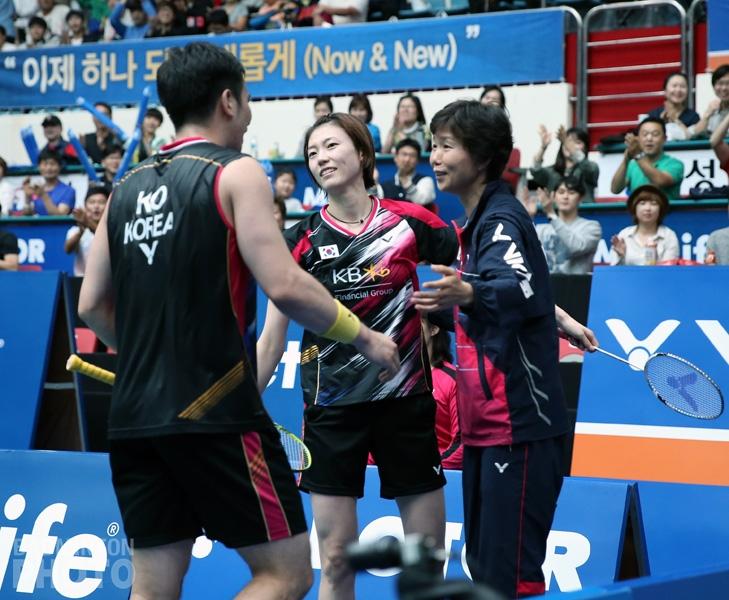 Ko Sung Hyun, Kim Ha Na, and Coach Ra Kyung Min