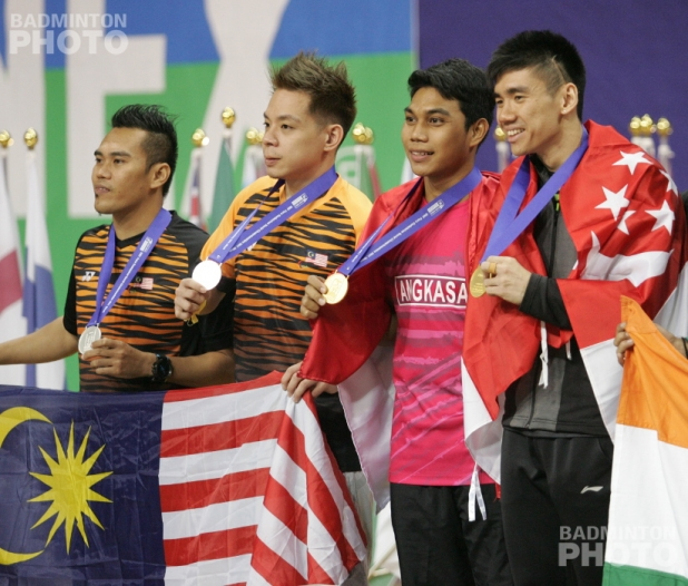 SU5 Men's Doubles finalists: (from left) Hairol Fozi Saaba / Cheah Liek Hou (MAS; silver), Suryo Nugroho (INA; gold) / Tay Wei Ming (SIN; gold)