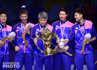 Kim Duk Young, Park Kyung Hoon, Head Coach Kang Kyung Jin, Seo Seung Jae, Kim Won Ho
