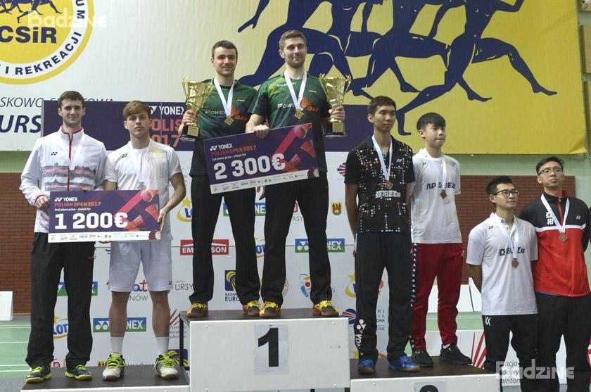 9295_podium_MD