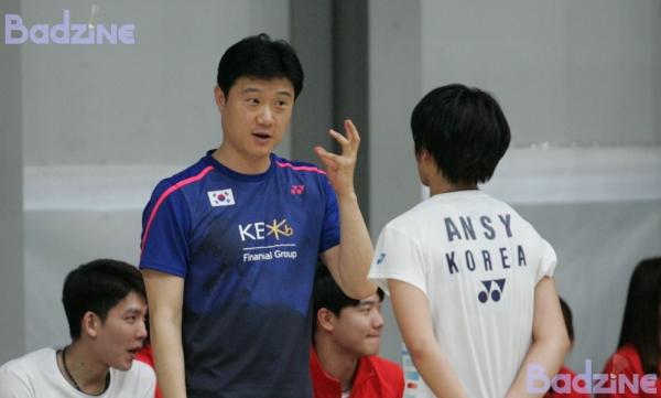An Se Yeong (KOR) with Head Coach Ahn Jae Chang