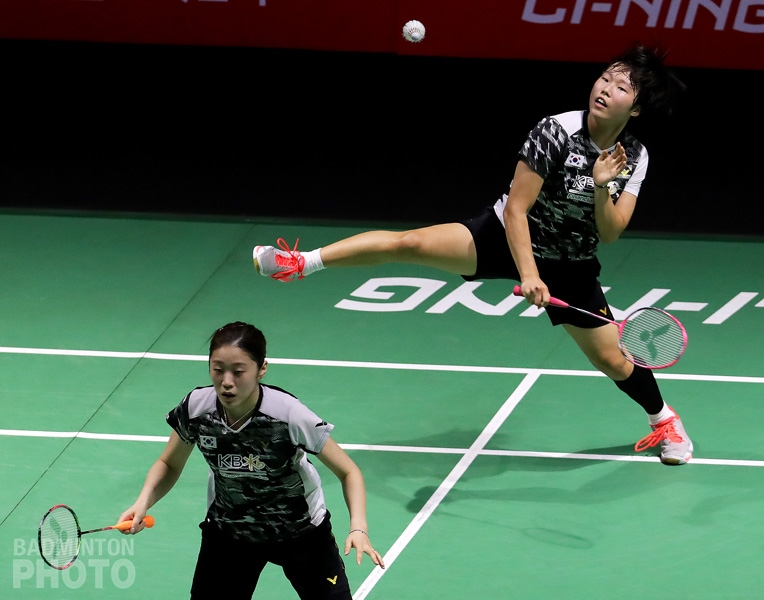 Kim Hye Rin and Baek Ha Na in action at the 2018 Fuzhou China Open