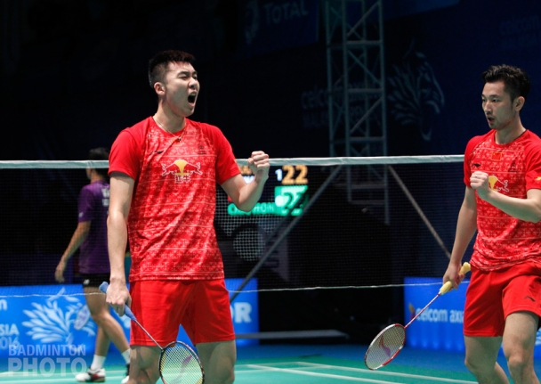 Hong Wei and Chai Biao, en route to winning their second game 30-29 against Angga Pratama and Ricky Karanda Suwardi