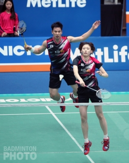 Ko Sung Hyun and Kim Ha Na on the offensive at the 2016 Korea Open