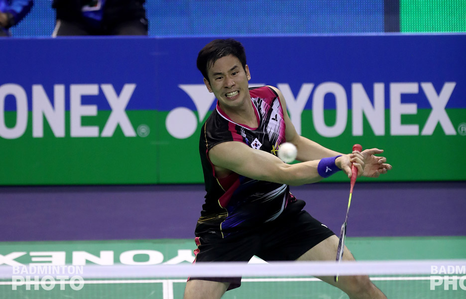 Former World Champion Ko Sung Hyun is said to be planning to take legal action against the Badminton Korea Association (BKA) according to a report published today by the Donga […]