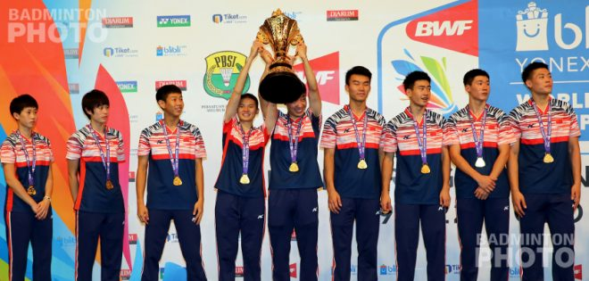 Defending champion China relied on two upsets of Malaysia's past and present junior singles champions to take a 12th Suhandinata Cup title. By Don Hearn. Photos: Raphael Sachetat / Badmintonphoto […]