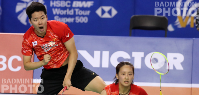 Two two-time European Champions had their sights on the Korea Open quarter-finals but Chae Yoo Jung and Seo Seung Jae saw off Chris and Gabby Adcock before Viktor Axelsen suffered […]