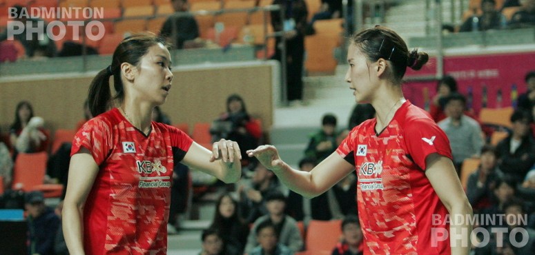 Three ladies at the Gwangju Korea Masters had to bow to their elders – or eonni in Korean – on Sunday as all three doubles finals ended long title droughts. […]