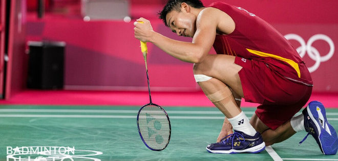 Playing a match in front of what should have been a passionate home crowd, and carrying the burden of expectations on his shoulders, Japanese star Kento Momota let the occasion […]